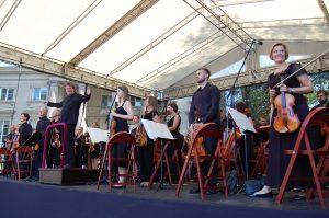 orkiestra nascenie, klasycznie natrawie